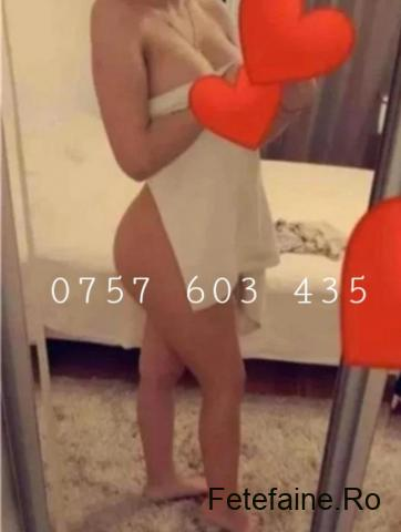 blonda sexy servici de calitate
